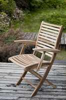 """""""Bondeno"""". Складной стул с подлокотниками (тик)."""