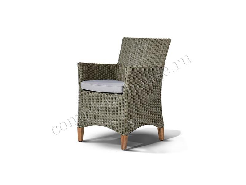 Кресло из ротанга Pestum