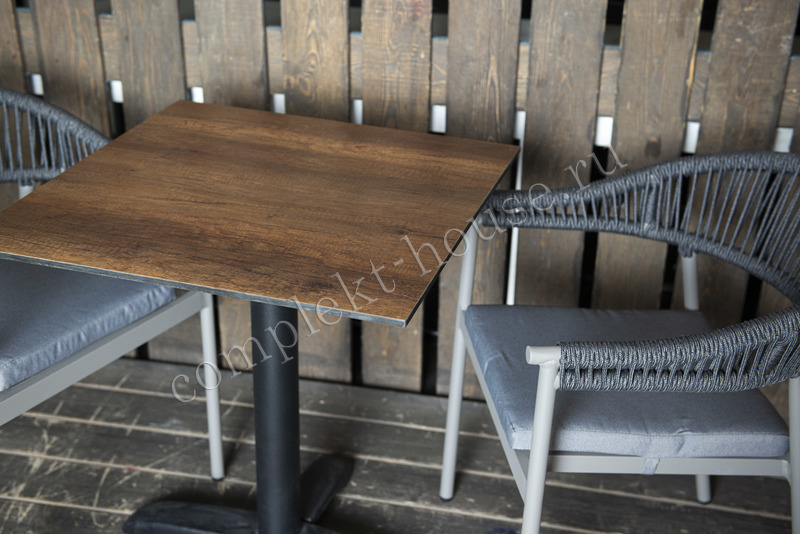 Стол обеденный Cafe 64х64