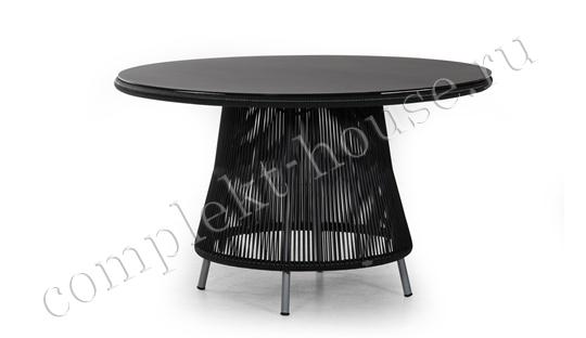 """Verona"".Плетеный стол."