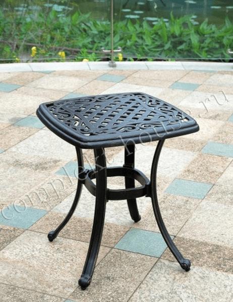 Столик кофейный из литого алюминия Belgravia